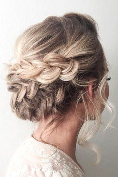 Best Hairstyles & Haircuts for Women in 2017 / 2018 : Trendy prom hairstyles for long hair can fit any ladys taste and the desirabl