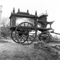 "Vintage hearse . . no information given by pinner, simply ""Vintage hearse"".  I have no idea of date or country of origin, but I find the photo intriguing."