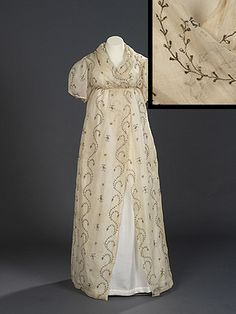 Evening dress or open robe - Cotton tabby with open work embroidery of gilt lamella