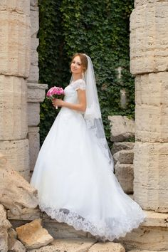 Haven't decided on a #Wedding Dress, or even how big a statement you want to make in it? http://www.stylemepretty.com/2017/01/07/how-to-choose-an-iconic-wedding-gown/