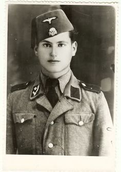"""Waffen-SS Division Handschar. Der Begriff """"Muselgermanen"""" wurde auch für die von al-Husseini, der als Begründer des palästinensischen Nationalismus gilt, 1941 für die Waffen-SS rekrutierten Soldaten in Bosnien-Herzegowina verwendet. Der Großmufti sah ebenso wie Hitler eine ideologische Übereinstimmung und lobte während seines Aufenthalts in Berlin Hitler als einen """"von der gesamten arabischen Welt bewunderten Führer"""" und erhoffte sich, dass man Luftangriffe auf Tel Aviv führen würde."""