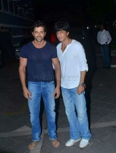 Embedded image permalink-Hrithik and SRK like friend , like brother they are always together.