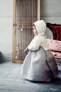 http://blog.naver.com/greennarae14/220094357157 Korean kid's traditional dress, 'HanBok'