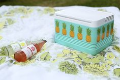 Create a fun, new cooler for summer #picnics! Make a #DIY pineapple cooler from @thepapermama.