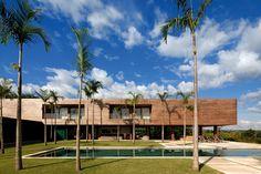 Galeria de Residência CT / Bernardes + Jacobsen Arquitetura - 2