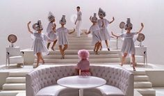 Beauty School Drop Out - Grease. I've always wanted to have the silver cape and bubble beehive as a Halloween costume. Musical Grease, Grease Movie, Grease 1978, Grease 2, Darren Criss, Grease Costumes, Teen Costumes, Woman Costumes, Pirate Costumes