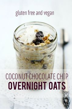 Super easy to make delicious coconut chocolate chip overnight oat recipe. #oatmeal | @theprettybee