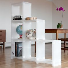 "cub""itec""e shelves white/clear   (orchid!!! in back room, too)"