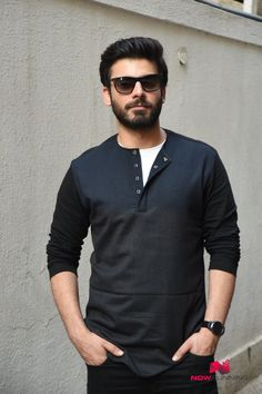 Sidharth Malhotra and Fawad Khan promote Kapoor and Sons Handsome Actors, Handsome Boys, Kapoor And Sons, Kurta Men, Pakistani Models, Bollywood Stars, Celebs, Celebrities, Beard Styles