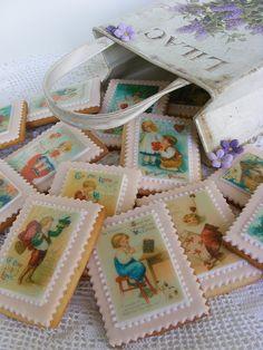 Vintage valentine cookies by bubolinkata, via Flickr