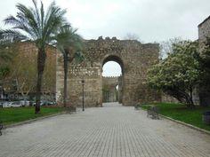 Puerta de entrada a Talavera de la Reina en #Toledo (#CastillaLaMancha - #España).