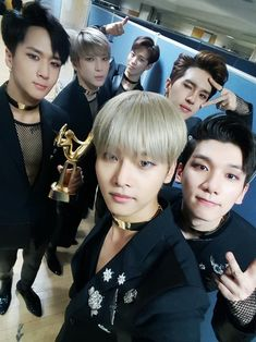 Find images and videos about kpop, vixx and Leo on We Heart It - the app to get lost in what you love. Jonghyun, Shinee, K Pop, Ken Vixx, Vixx Members, Moorim School, Ravi Vixx, Jung Taekwoon, Golden Disk Awards