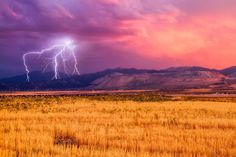 Electrifying Images of Nature's Fury - Gallery