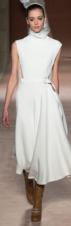 Victoria Beckham Collections Fall Winter 2015-16 collection. F
