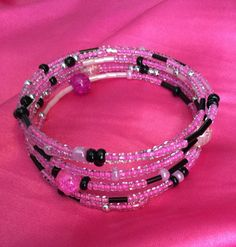 Pink and black beaded bracelet by DesignsBySunshineUK on Etsy