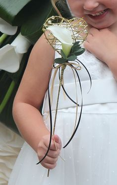 Heart shaped wand for your flower girl  with a classic white calla lily | BG Blog Valentines 4