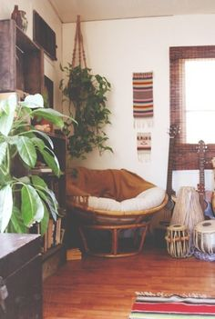 Sometimes you need your home to wrap you up in a big hug and never let you go. So focus on creating a cozy, comfort-zone corner you can retreat to when life gets frustrating, unpleasant and tough. We've got the elements of the anatomy of an effortlessly cool and comfy nook...and we're giving you the steps to create your own at-home getaway corner!
