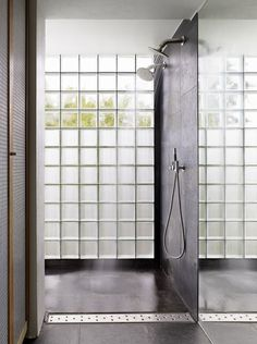 Home Lighting - Use Glass Block to decorate and reflect light - The Architects Diary Brick Bathroom, Bathroom Windows, Glass Bathroom, Bathroom Spa, Bathroom Renos, Laundry In Bathroom, Bathroom Interior, Master Bathroom, Glass Blocks Wall