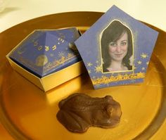 Harry Potter by J.K.Rowling - Chocolate Frog with Box and Card | Book Garnish