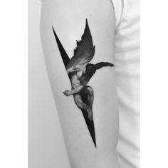 The Fallen Angel Tattoo Skull Tatto, Neck Tatto, Arm Band Tattoo, Icarus Tattoo, Gott Tattoos, Bild Tattoos, Forearm Tattoos, Sleeve Tattoos, Body Art Tattoos