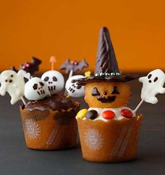 Adorable cupcake spooks.