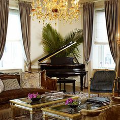 Top 10 Most Luxurious Hotels in the World . The Plaza, New York City . Last Night On Earth, Plaza Suite, Most Luxurious Hotels, Luxury Hotels, Hotel World, Destinations, Destination Voyage, Grand Piano, Old World Charm