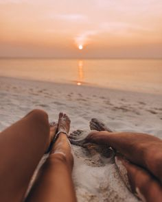 Photo October 13 2019 at womens fashion style hats shoes minimal simple dress ootd summer comfortable for her ideas tips street Flipagram Instagram, Best Romantic Getaways, Romantic Vacations, Maldives Travel, Maldives Hotels, Maldives Honeymoon, Maldives Resort, Visit Maldives, Photo Couple