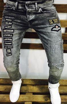 How to get the best white jeans for men? Ripped Jeans Men, Denim Pants, Men's Jeans, Estilo Jeans, Menswear, Men Casual, Clothes, Fashion, Baby Boy Fashion