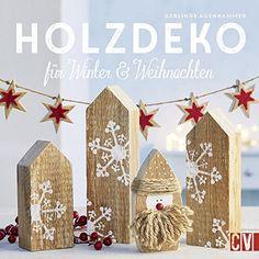 Weihnachtsdeko Aus Holz Elch Nikolaus Und Adventskranz Schmücken Den Tisch Ein Weihnachtsdorf Lichterhäuschen Winterbäume Stehen Am Fenster