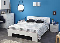 Schlafzimmer Hannah Weiß II 4tlg. Die Möbelserie Hannah ist die moderne Antwort auf angestaubte Schlafzimmereinrichtungen. Mit grifflosen Hochglanz - Fronten in Weiß oder Schwarz setzt es ein...