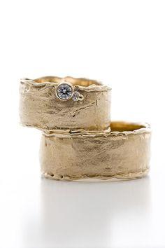 """Beautiful wedding rings by Wim Meeussen """"W591 BREED"""""""