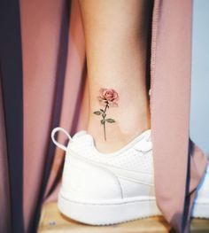 80 Adorable Ankle Tattoos That All Deserve Oscars - Ankle Tattoo Designs Mini Tattoos, Foot Tattoos, New Tattoos, Small Tattoos, Tatoos, Tattoos For Girls, Little Tattoo For Girls, Pretty Tattoos For Women, Cute Girl Tattoos