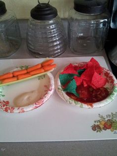 A healthy twist. a 200 calorie meal. Take out the chips and salsa, and its only about 40 calories for a snack! 200 Calorie Meals, Low Calorie Recipes, Chips And Salsa, 200 Calories, Eating Well, Serving Bowls, Dinners, Snacks, Healthy