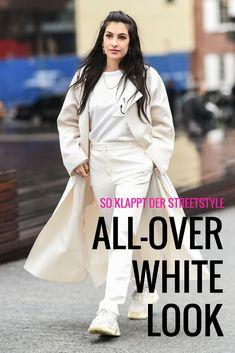 Fashion-Profis setzten auf denn All-over-White-Look und mit diesen Tipps könnt ihr ihn ganz einfach nachstylen. #alloverwhitelook #allwhiteeverything #whitefashion #weißesoutfit #stylingtipps #streetstyles #fashion