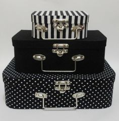Discover recipes, home ideas, style inspiration and other ideas to try. Decoupage Suitcase, Cardboard Suitcase, Diy Storage Boxes, Vintage Suitcases, Stylish Handbags, Bling Wedding, Cardboard Crafts, Vintage Box, Craft Box