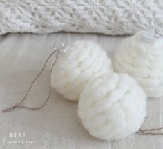 how to make an easy 5 minute yarn snowball ornament, christmas decorations, crafts, seasonal holiday decor