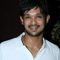 Nakul's next After Vallinam, Nakul is working in Tamzhikku En Ondrai Azhuthuvum. More Read:http://www.kalakkalcinema.com/tamil_news_detail.php?id=6453&title=Nakul%27s_next