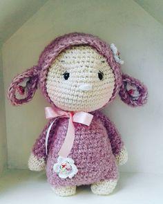 Little cuddly sheep...in my house.. #crochetlove #sheep #cuddlytoys #dollmaking #crochet #häkeln #häkelnistmeinyoga #marleensmadeforyou #schaf #kuscheltiere #kuschelschaf #rosa #babygift