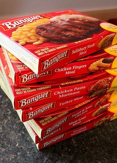 """A Comparison of Actual """"Banquet"""" Frozen Dinners with their Box Cover Photographs"""