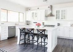 New Apartment Kitchen Renovation Quartz Countertops Ideas Kitchen Cabinet Colors, Kitchen Layout, Kitchen Colors, New Kitchen, Kitchen Design, Kitchen Cabinets, Kitchen White, Kitchen Tips, Kitchen Wood