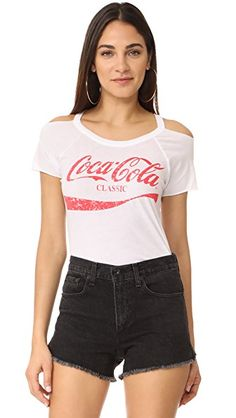 Get this CHASER's basic t-shirt now! Click for more details. Worldwide shipping. Chaser Coca Cola Tee: This casual Chaser tee has a faded Coca Cola logo graphic and cutout shoulders. Banded neckline. Short raglan sleeves. Raw edges. Fabric: Jersey. 60% cotton/40% polyester. Wash cold. Imported, China. Measurements Length: 26in / 66cm, from shoulder Measurements from size S (camiseta básica, basic, basico, basica, básico, basicos, casual, clasica, clasicas, clásicas, clásica, básicos, bá...