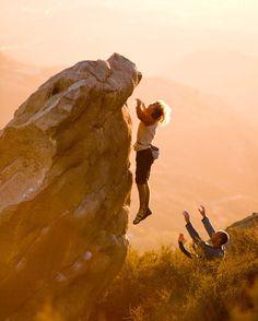 Chris Sharma brings new meaning to levitating. Sport Climbing, Ice Climbing, Mountain Climbing, Climbing Girl, Boulder Climbing, Rappelling, Love Rocks, Extreme Sports, Climbers