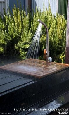 Calazzo.com - PILA Outdoor Showers - Foot Wash - Free Standing Single Supply