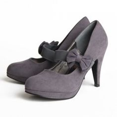 mary jane pumps with bow