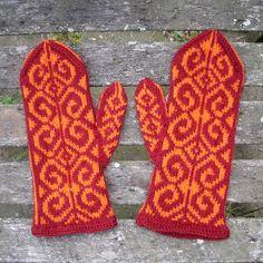 Norwegian Mittens, Womens Medium, Wool, Red, Orange. Handknit by Felted Friends on Etsy.