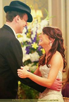 How I Met Your Mother, Lilypad and Marshmallow Visit: www. - How I Met Your Mother - Wedding Dress Disney Movies To Watch, Best Disney Movies, How I Met Your Mother, Marshall Eriksen, Lily Aldrin, Marshall And Lily, Prime Movies, Wedding Movies, Ted