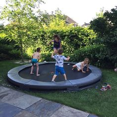 Wij bedanken @dnzkox voor de aankoop van een Avyna tuintrampoline - Super veel springplezier toegewenst ➡➡ www.trampoline.nl ➡➡ #Avyna #trampoline #trampolines #funtramp #instakids 🎉🎉 Lifetime Frame Warranty 🎉🎉 Ontdek de verschillen in tuintrampolines, bezoek onze website www.trampoline.nl (link in de bio) 👏👏 Quality Play