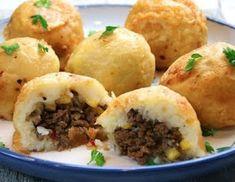 Make Stuffed Mashed Potato Bombs For Dinner! - Tips and Tricks - Tips and Crafts Potato Bombs Recipe, Mashed Potato Bombs, Leftover Mashed Potatoes, Potato Recipes, Beef Recipes, Cooking Recipes, Potato Ideas, Potato Snacks, Veggie Snacks