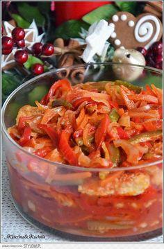 Ryba po japońsku SKŁADNIKI: 1 kg filetów rybnych (m… Vegan Junk Food, Vegan Sushi, Good Food, Yummy Food, Fish Salad, Mediterranean Diet Recipes, Baked Salmon, Frugal Meals, Seafood Dishes