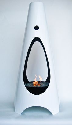 Modfire - Urbanfire Ethanol Fireplace in White modern fireplaces Outdoor Lounge, Indoor Outdoor, Outdoor Living, Outdoor Spaces, Modern Outdoor Fireplace, Ethanol Fireplace, Garden Architecture, Fireplace Design, Decoration